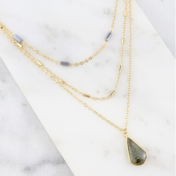 Necklace Layered Gold with teardrop stone